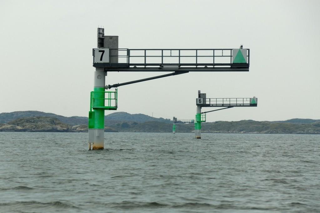 Göteborgin edustan reunamerkit näyttävät väylän reunan