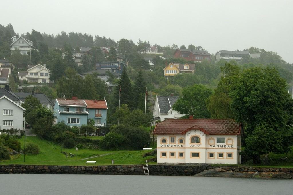 Drøbak on pikkukaupunki Oslovuonon kapeikossa