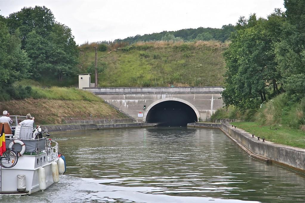 Tunneliin, Compiegne-Languevoisin