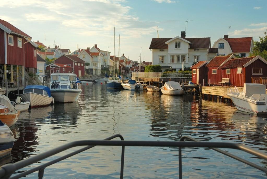 Grunsund on idyllinen kylä kalliouoman varrella