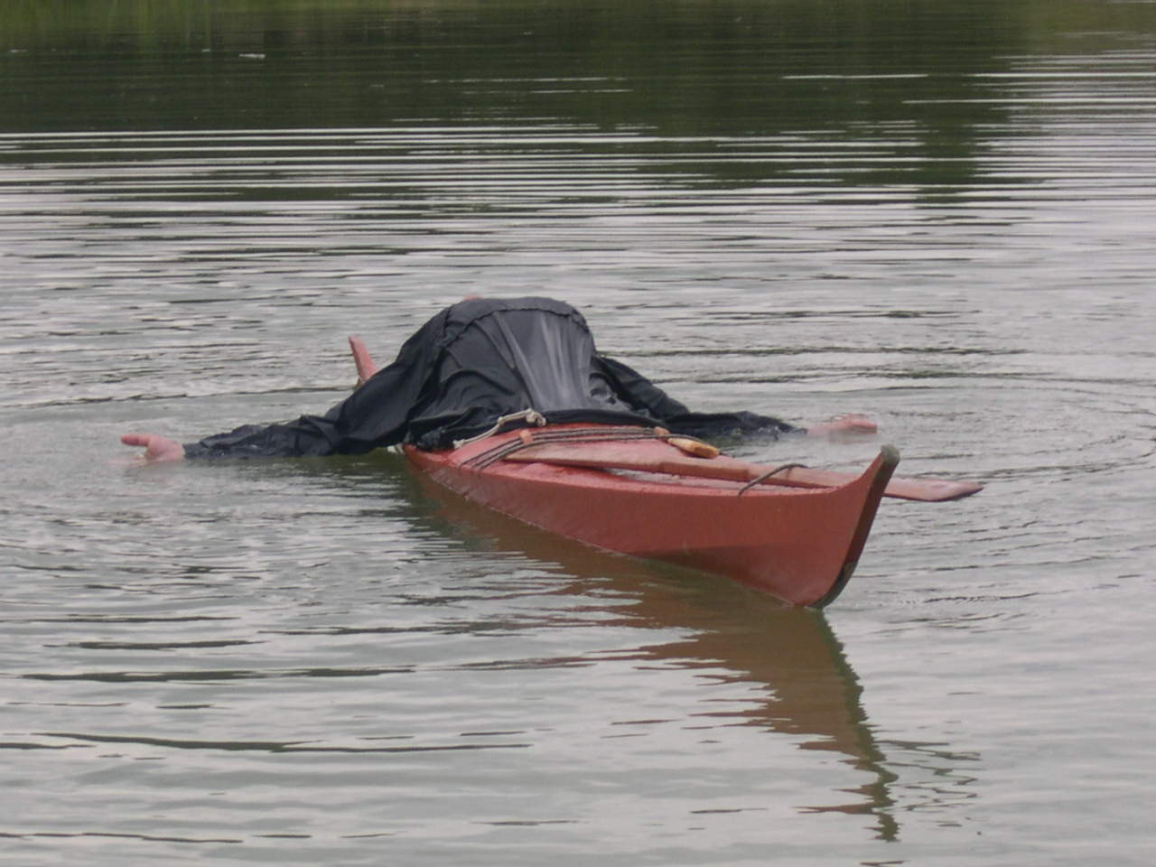 hand-roll en kayak groenlandais