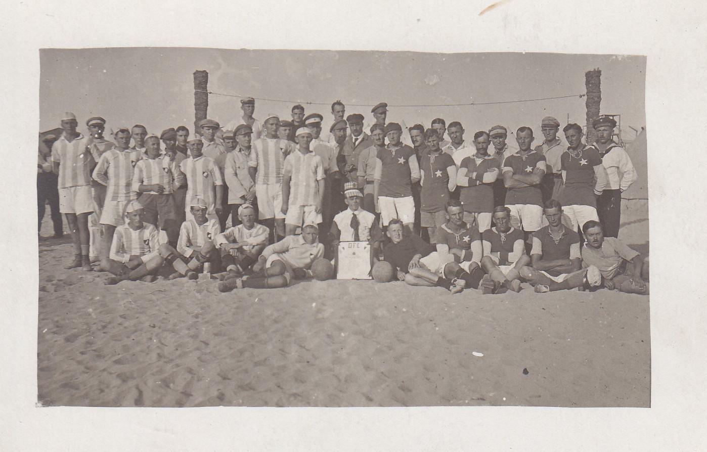 Mannschaften des D.F.C. in Sidi Bishr