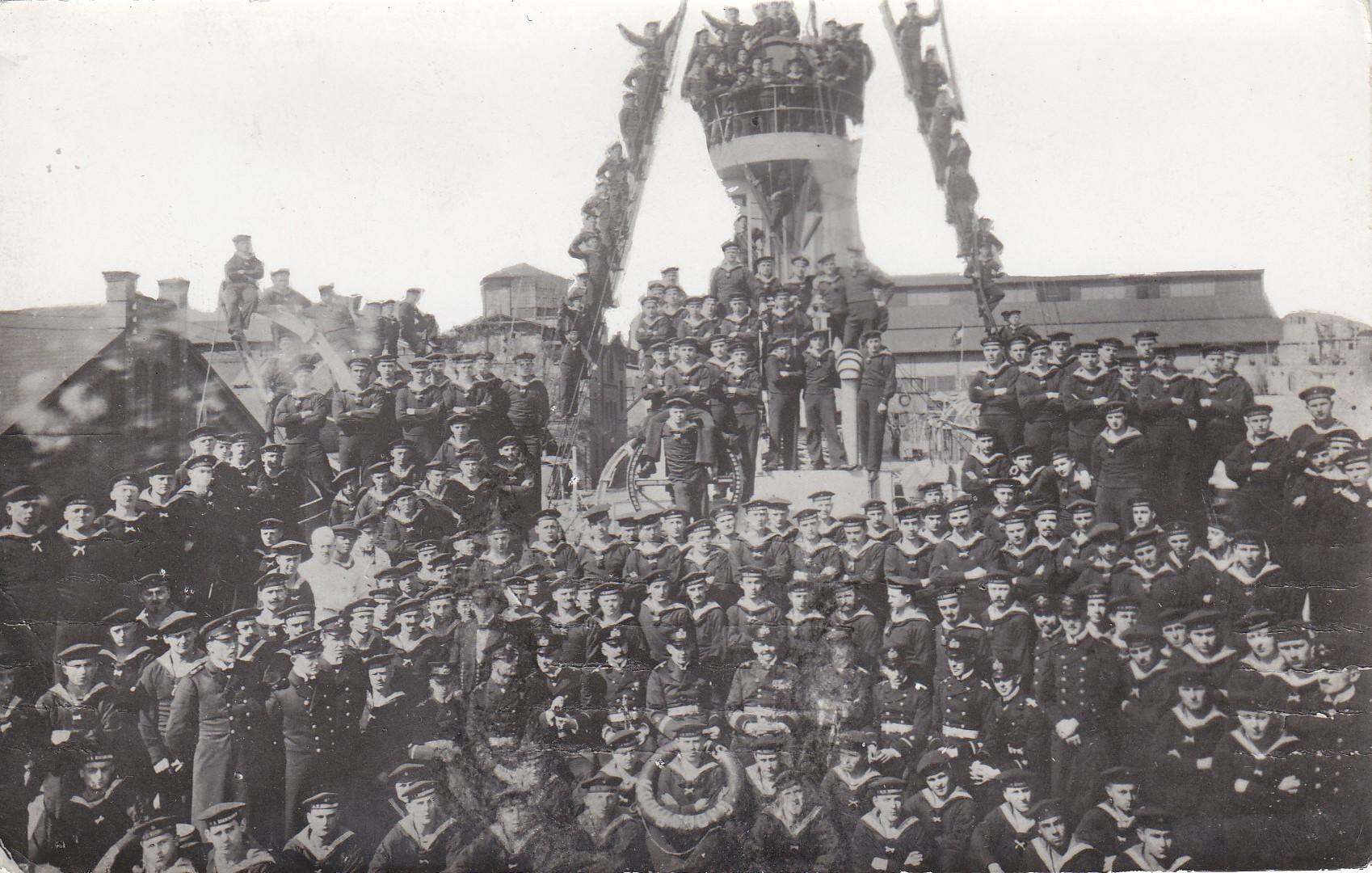 Mannschaft der SMS Königsberg