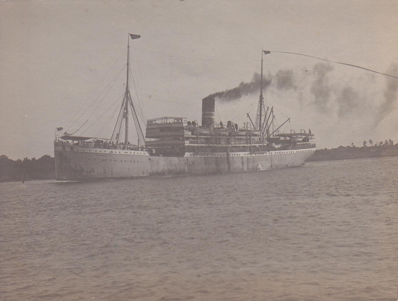 Ein Heimtransport verlässt Daressalam Juni 1911