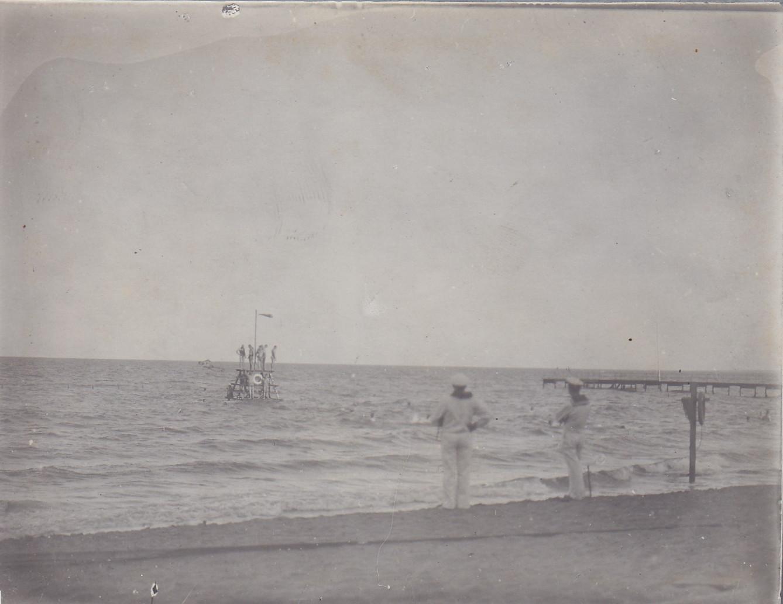 Strand von Lourenco-Marques - Mannschaft beim Baden