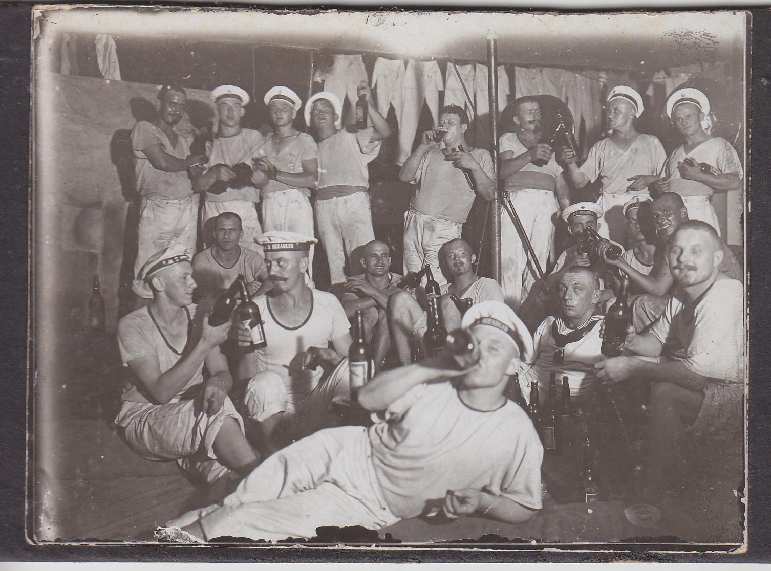 Abschiedsfeier am 12.08.1910 - Mt. Brockmann zum Victoria See (Muansa), Mt. Ruoff zum Victoria-See (Bukoba), Mt. Schultz zum Tanganjika-See (Kigoma) und Ob.Mt. Brobisch zum Nyassa See (Langenburg)