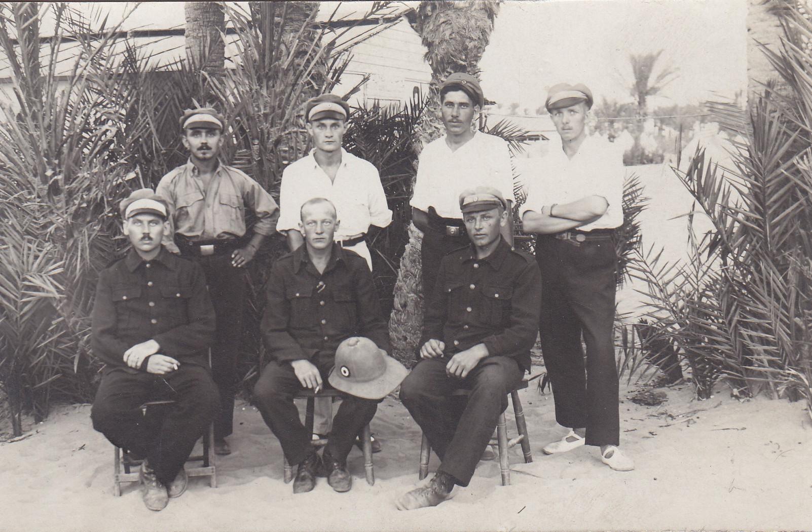 Gruppenbild im Lager