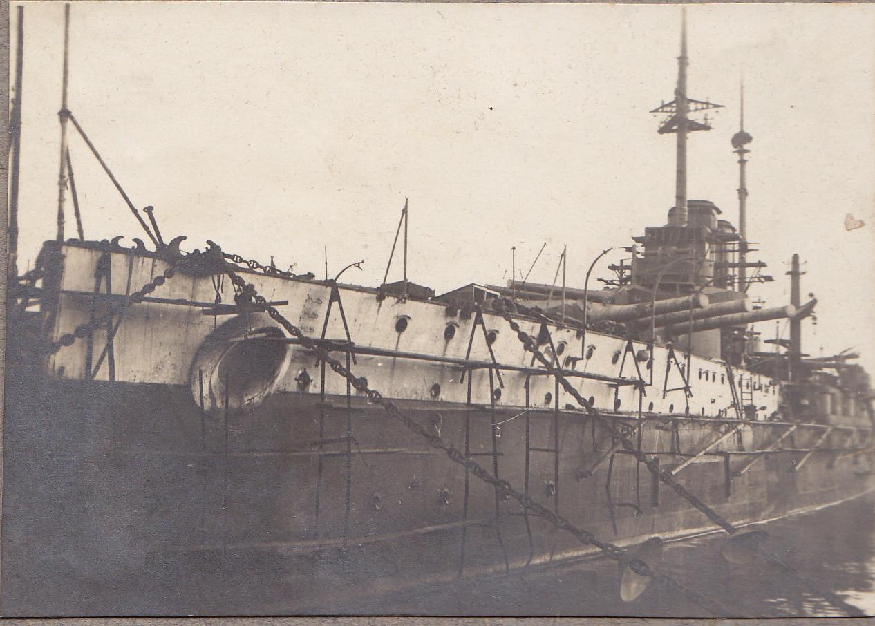 Österreichisches Schlachtschiff der Tegetthoff-Klasse in der Ausrüstung