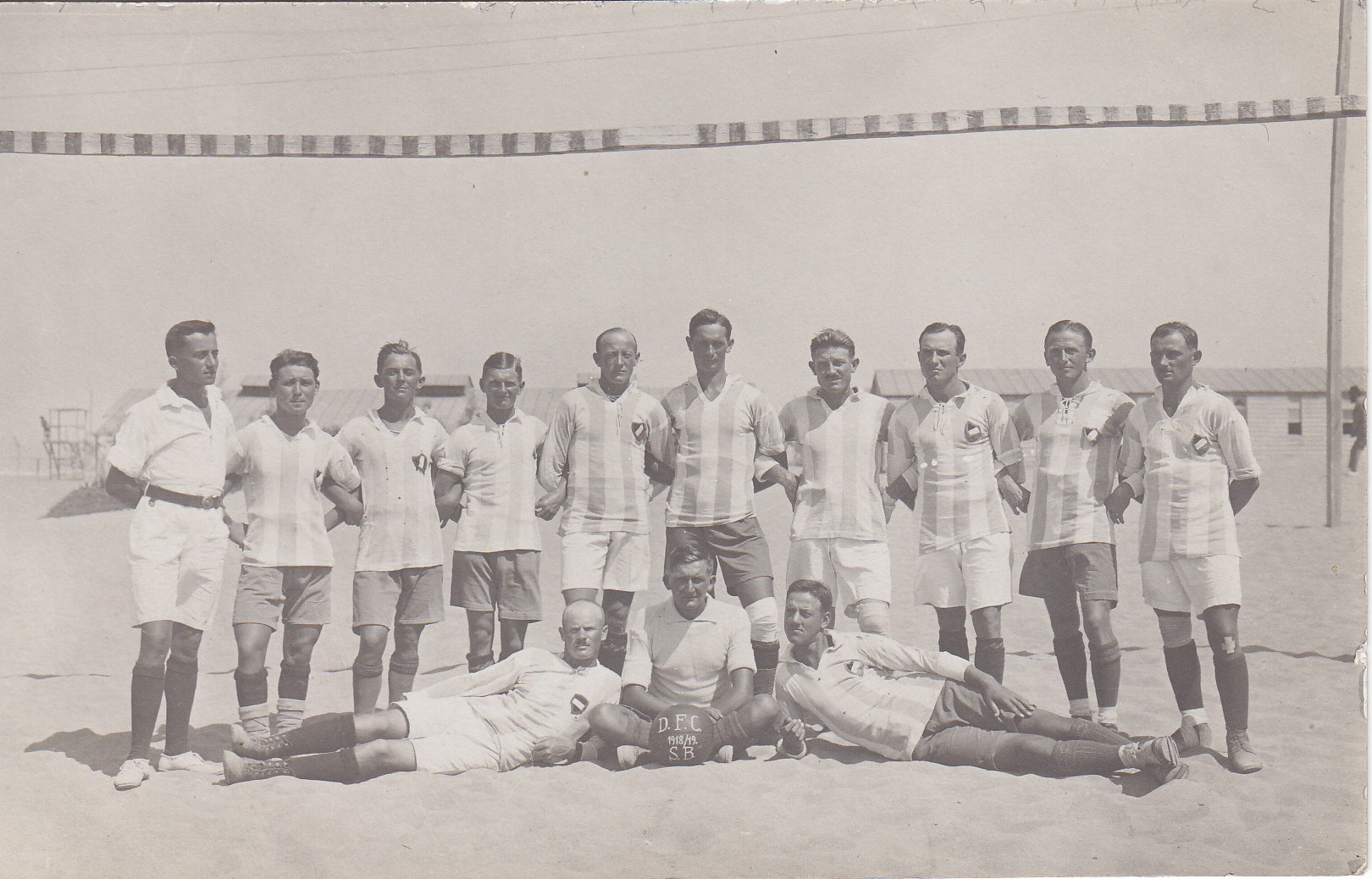 Mannschaft des Deutschen Fussball Clubs Sidi Bishr