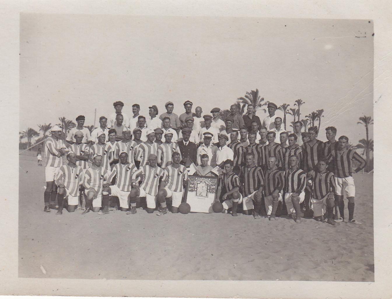 Mannschaften des Fussball Club Germania zum Sportfest am 10.08.1919 in Sidi Bishr