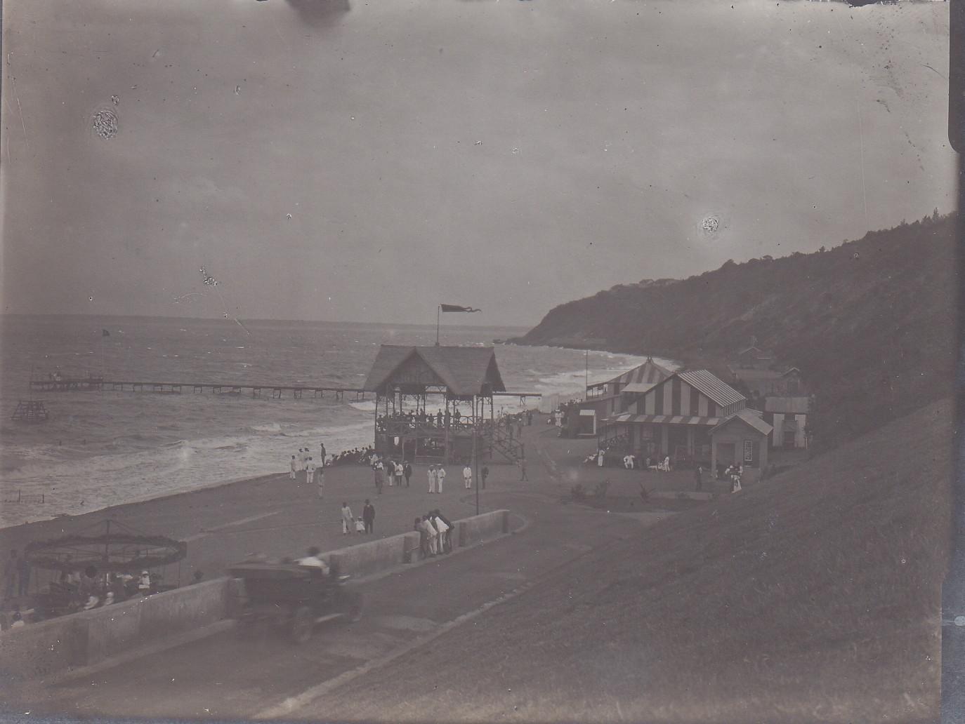 Strand von Lourenco-Marques - Musikpavillion, Badeanstalt und Bar