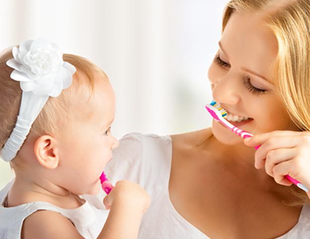 unterstützen Sie Ihr Kind bei der Zahnpflege