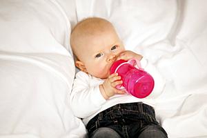 Darauf können Sie bei der Ernährung von Flaschenkindern achten: