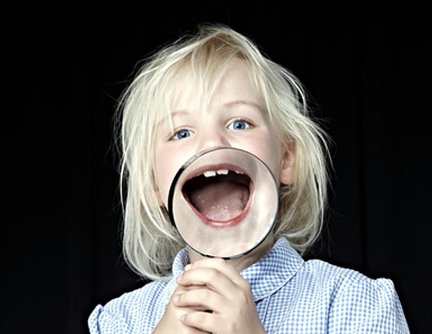 gerade während der Zeiten eines intensiven Zahnwechsels die Stellung der Zähne Ihres Kindes