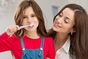 Eine regelmäßige Kontrolle dieser Zähne ist ebenso wichtig wie ihre regelmäßige Pflege oder auch eine Fissurenversiegelung