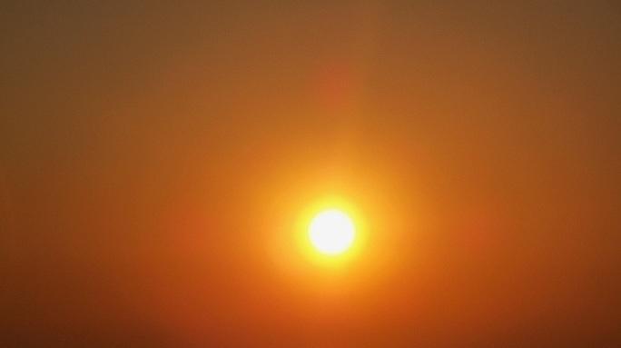 Sole molto caldo
