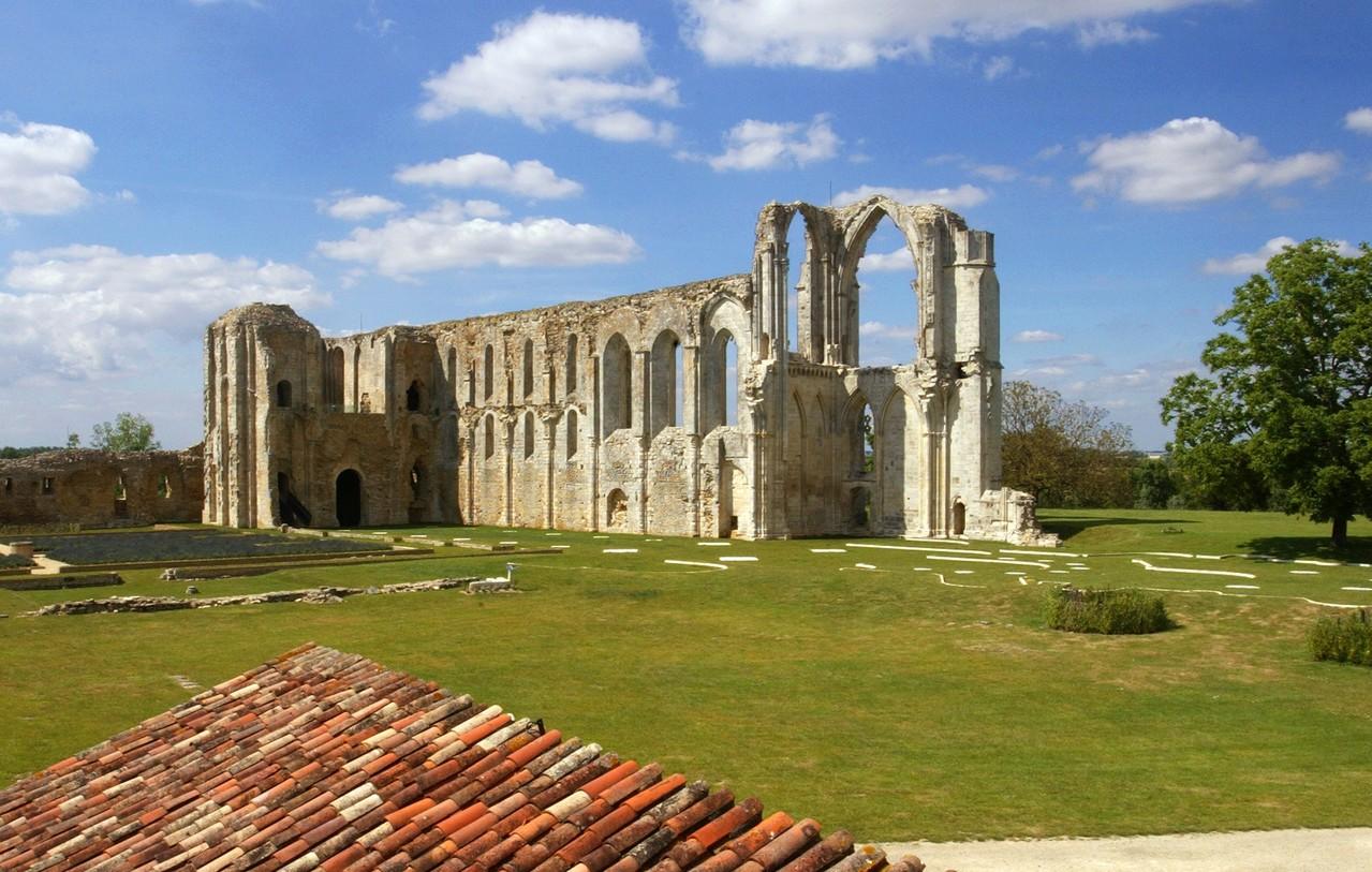 Abbaye de Maillezais - crédit Fugère