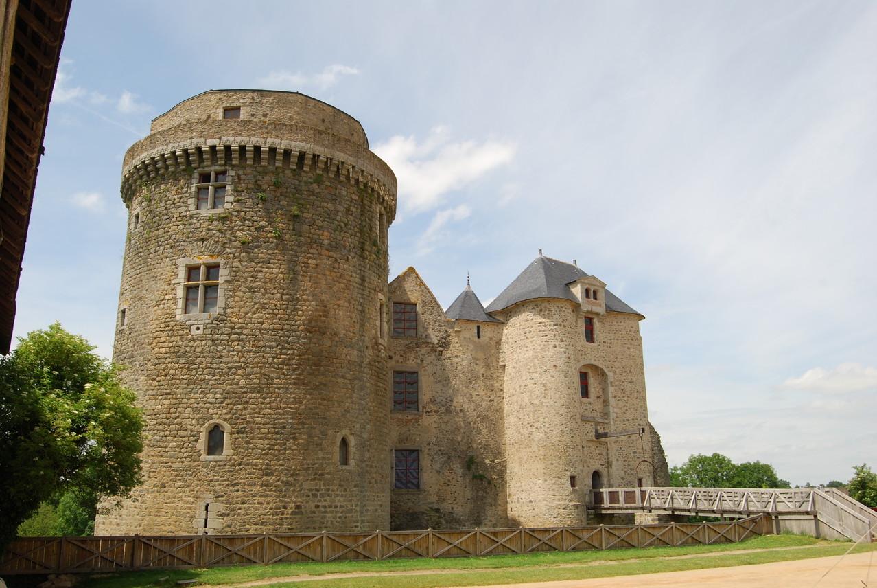 Château de Saint Mesmin : crédit photo Eric Nicolas