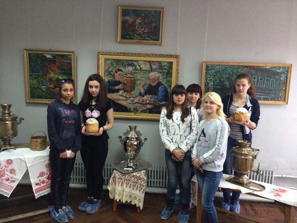 Посещение студентами группы 1Т музея-усадьбы им. А.М.Герасимова (выставки самоваров)