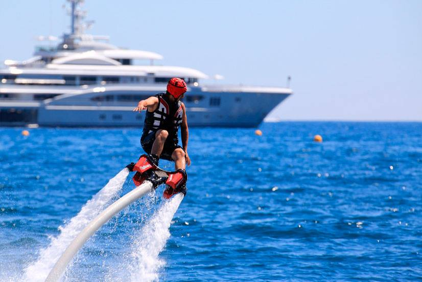 Flyboard Instructor Training at your location ©www.superyachtpwc.com