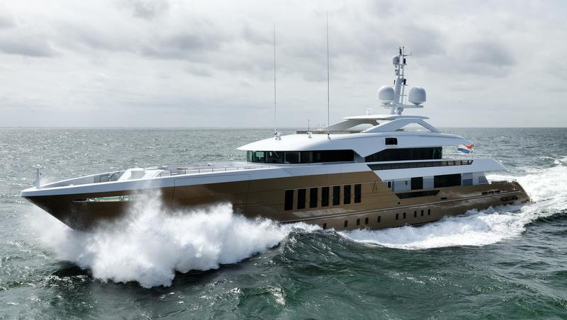 Motor Yacht Azamanta - 55m