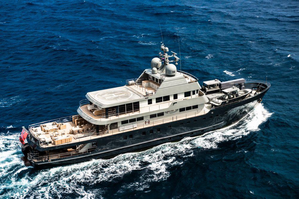 Motor Yacht Plan B - 75m