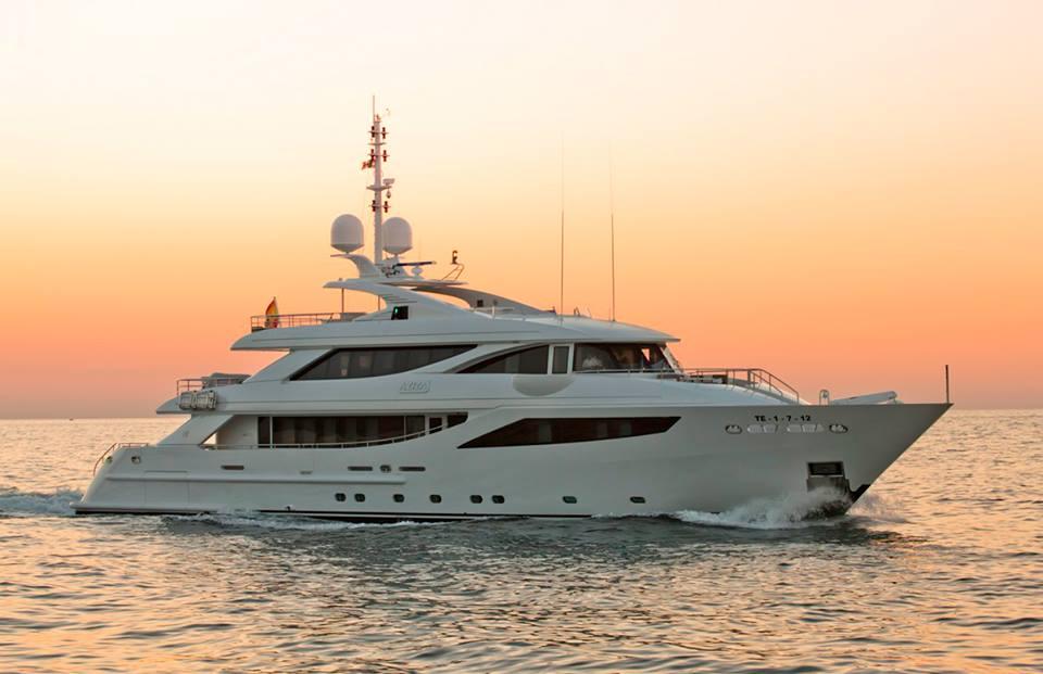 Motor Yacht Aziza - 40m