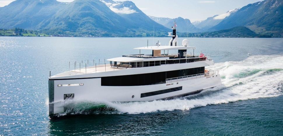 Motor Yacht Kamino - 34m