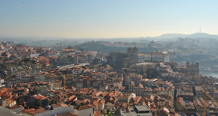 Best viewpoints in Porto - Torre dos Cleridos
