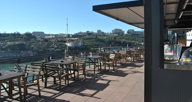 Best viewpoints in Porto - Bar Miradouro Ignez