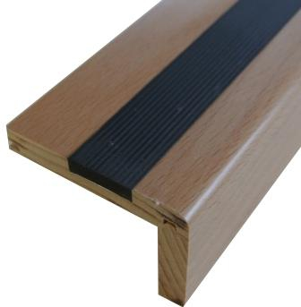 Massivholz Treppenkante mit Gleitschutz