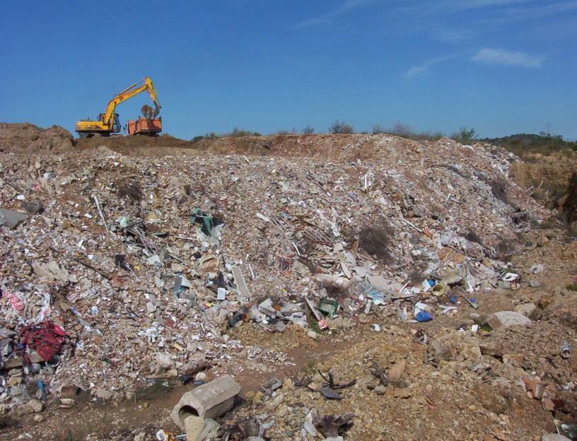 APPLUS Sanejament de terres i control de residus en un abocador incontrolat ubicat a la Finca de la Palma de l'Aldea