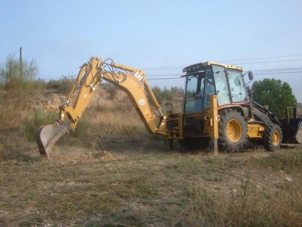 PROINTEC Estudi del terreny a Flix mitjançant cates, per les obres de construcció del reg de suport Monredons Riba-roja
