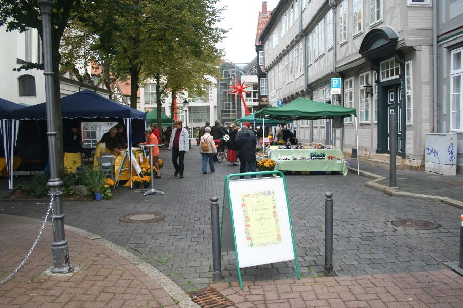 Herbstmarkt hinter der Stadtkirche