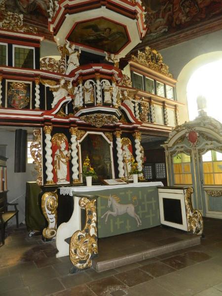 Altar in der Barockkirche in Neuenfelde