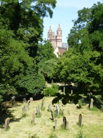 Jüdischer Friedhof und Dom