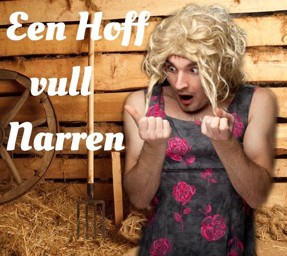 Ein Mann in Frauenkleidern steht in einer Scheune und schaut entsetzt auf seine Fingernägel. Dazu der Titel: Een Hoff vull Narren