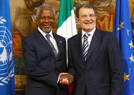Il Presidente del Consiglio Romano Prodi con Kofi Annan nel 2007