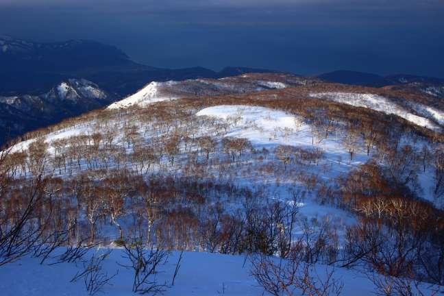 幌天狗への稜線から日本海の眺め