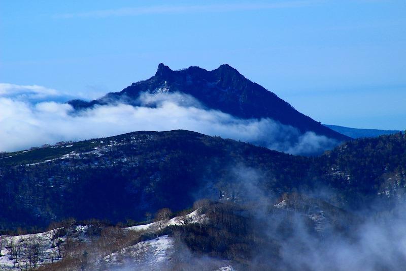 札幌岳から見た恵庭岳