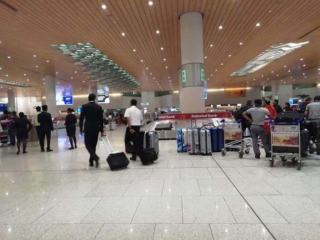 ムンバイ空港アライバル