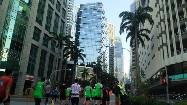 シンガポールマラソン中間地点