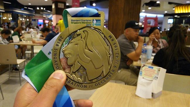 シンガポールマラソンメダル2018