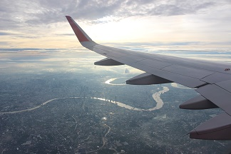暁のチャオプラヤー川