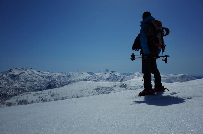 雄冬山と浜益岳 雪山ハイク(後編)|林道から浜益御殿を越えて(4月上旬)
