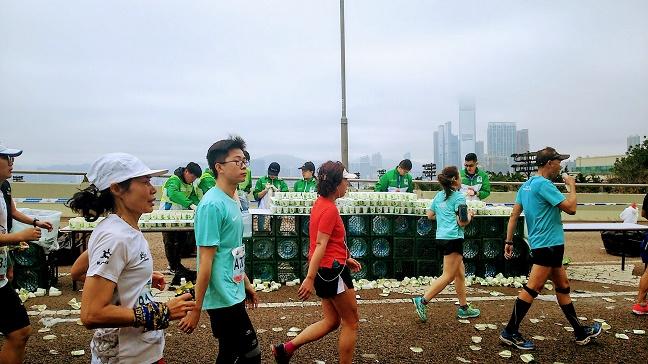 香港マラソン2019給水