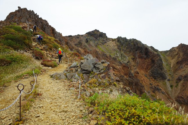那須岳登山道剣が峰付近