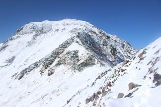 富良野岳直下から山頂を
