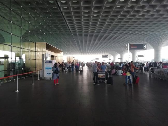 ムンバイ空港出国