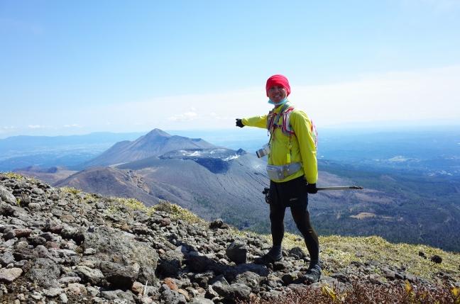 霧島山韓国岳から見た高千穂峰と新燃岳